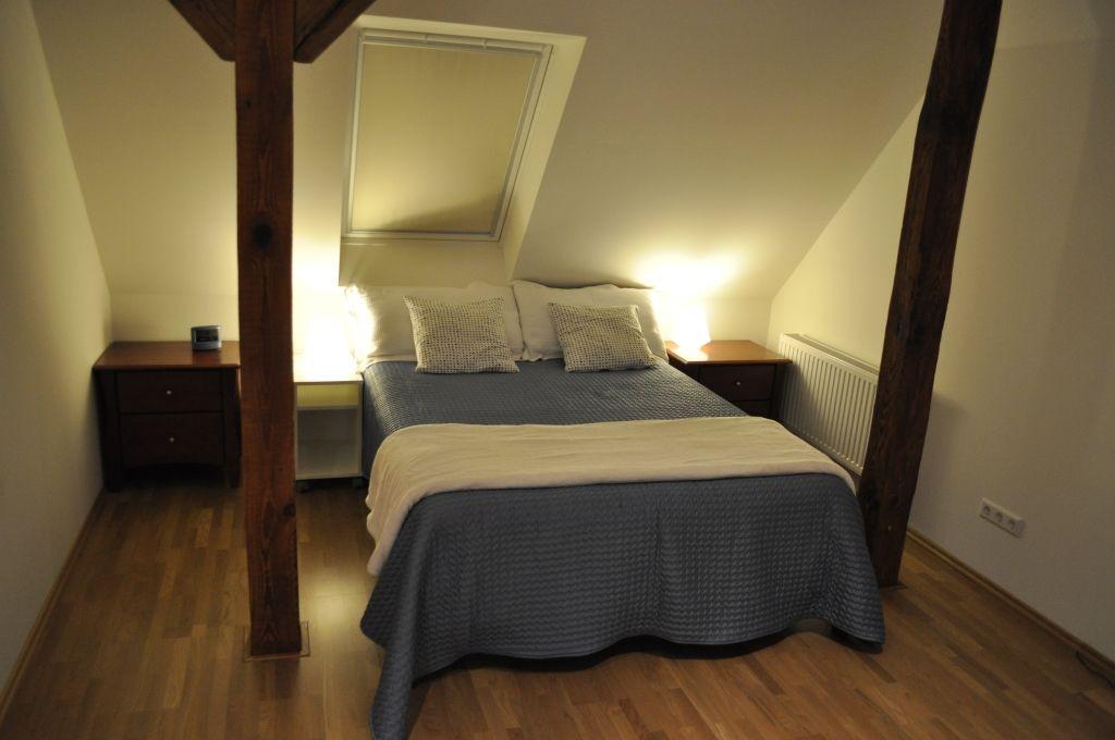 """Doppelbett in der Unterkunft """"Leine"""" in Eickeloh im Aller-Leine-Tal"""